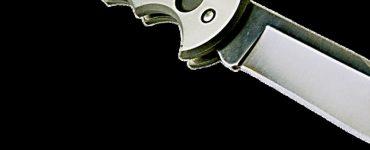Een bewoner van een woning aan het Lilahof meldde bij de politie een geval van huiselijk geweld. Daarbij zou een vrouw mogelijk met een mes worden vermoord.