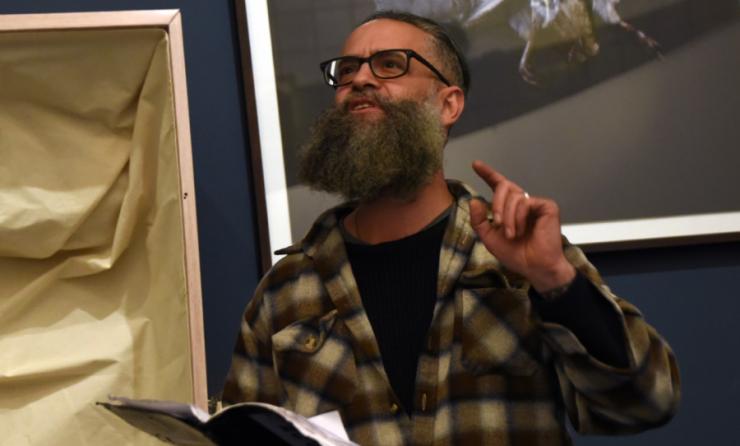 Woordenaars wil staalkaart bieden van de woordkunst - portret Joshua Baumgarten