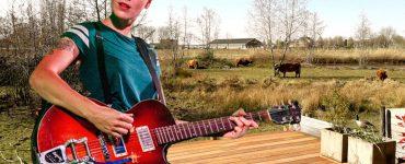 Backstage Backyard Blues - Mattanja Bradley - portret
