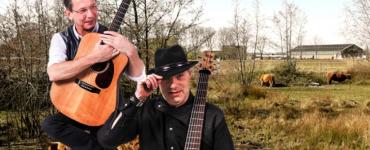 Backyard Blues - B'ascoustique - portret van het duo in de Dongevallei tussen de Schotse hooglanders