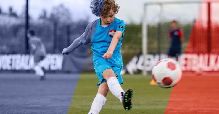 Jong talent in actie tijdens een van de Willem II Voetbalkampen