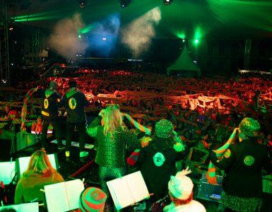 Carnaval 2021 gaat niet meer gevierd worden op de manier hoe iedereen het gewend is in Kruikenstad. De Carnavalsstichting Tilburg wil er alles aan doen om het wel door iedereen te laten beleven. Dit betekent dat het wél doorgaat, alleen niet meer met de openbare evenementen zoals de optocht of Kruikenstad in Koor.
