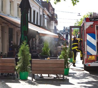 Bij een steakhouse aan de Korte Heuvel brak zondag even voor vijf uur in de middag brand uit in het ventilatiesysteem. De brandweer richtte zich bij de bestrijding van de brand in de eerste plaats op het ventilatiesysteem aan de achterkant van het pand, aan de Cavaleriestraat.