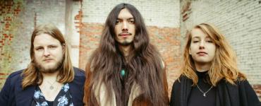 Blues, rock, een tikje psychedelisch, met vintage geluid en een berg energie bracht Electric Hollers in 2018 hun eerste plaat 'Rise' uit.