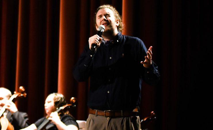Het Tilburgse kamerorkest Kamerata Zuid, Chamamé zanger Nino Zannoni en bandoneonist Milagros Caliva brengen tijdens het concert Chamamé Sinfonico een combinatie van de Argentijnse volksmuziek Chamamé én klassieke muziek uit Argentinië samen.