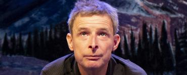 Lebbis (Hans Sibbel) is een cabaretier, die in 1989 met Dolf Jansen het BNNVARA Leids Cabaret Festival wint. Met het duo Lebbis & Jansen maakt hij tot nog toe jarenlang oudejaarsconferences en tv-programma's.
