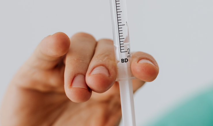 Uiteraard neemt de GGD maatregelen om iedereen op een veilige manier te kunnen ontvangen voor de HPV-vaccinatie. Ze houden zich aan de richtlijnen van het RIVM, zodat de vaccinatie veilig uit te voeren is.