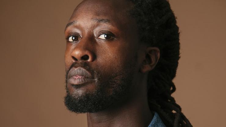 In de Peerke Donderslezing wil Akwasi het niet hebben over racisme, maar over de vraag hoe de samenleving eruit moet komen te zien. Hoe mensen elkaar echt gaan zien en naar elkaar gaan luisteren, om te komen tot meer begrip.
