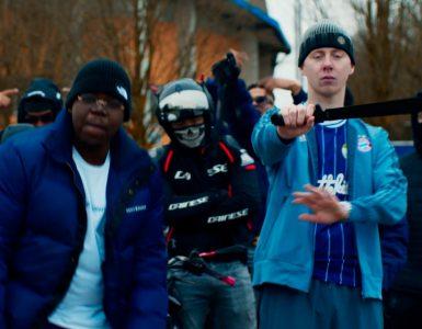 Met het nummer Guns Down willen rappers Garfield en Steve jongeren meegeven dat het een grote impact op hun toekomst kan maken als ze op straat gaan lopen met wapens.