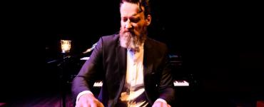 Samen met bassist Glenn Gaddum en drummer Joost Kroon vormt Sven Figee al jaren de ritmesectie van de groep Sven Hammond Soul.