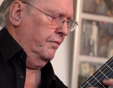 Gitarist Joop Biegelaar laat weten dat Santiago en hij veel gestudeerd hebben, en stukken hebben uitgekozen die ze gaan spelen.
