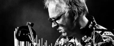 Slagwerker Joost Lijbaart gaat op zijn uiterst persoonlijke eerste soloalbum 'Free' de dialoog met zichzelf aan. Free is een reis naar 'binnen'.