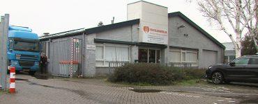 Er is goed en slecht nieuws voor de Tilburgse Voedselbank. Ze hebben eindelijk zicht gekregen op een grotere nieuwe locatie aan de Siriusstraat. Tot teleurstelling van de voedselbank liet de gemeente namelijk weten dat er geen uitgifte van voedselpakketten aan gezinnen mag plaatsvinden.