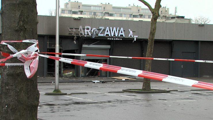 In de nacht van 3 op 4 januari is de Poolse supermarkt Warszawa XL getroffen door een aanslag. De fractie van Lokaal Tilburg maakt zich zorgen om de veiligheid rond zulke supermarkten en stelt daarom vragen over dit onderwerp in het Vragenhalfuurtje van de gemeenteraad.