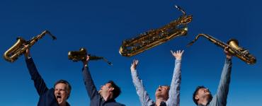 Paradox blijft elke vrijdag online concerten uitzenden van jazzgroepen, op 9 april het Artvark Saxophone Quartet en saxofonist Leo van Oostrom.