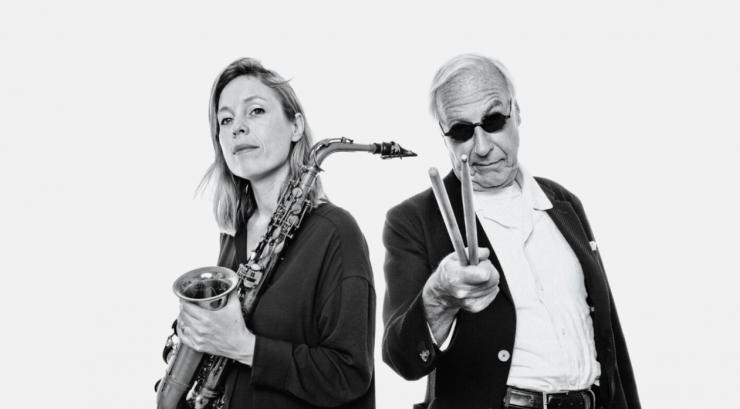 Tot het podium weer open mag voor publiek zendt Paradox elke vrijdag online concerten uit, op 26 maart een concert van Eric Ineke JazzXpress met speciale gast Tineke Postma.