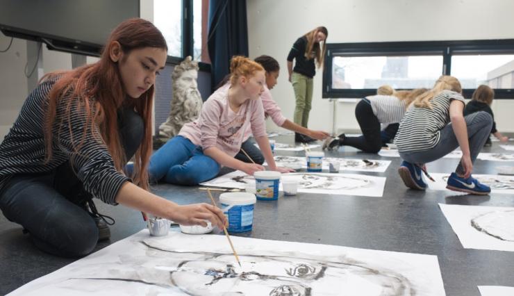 Jongeren kunnen hun beste tekeningen opsturen om mee te dingen naar een plek bij De Nieuwe Vincent. Bij dit talentenprogramma gaan ze masterclasses volgen en excursies doen.