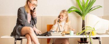 Zit jij je al maanden thuis te vervelen? Dan staat het speciale Mèn-wèl-bèlle callcenter op zaterdag 27 maart at your service.
