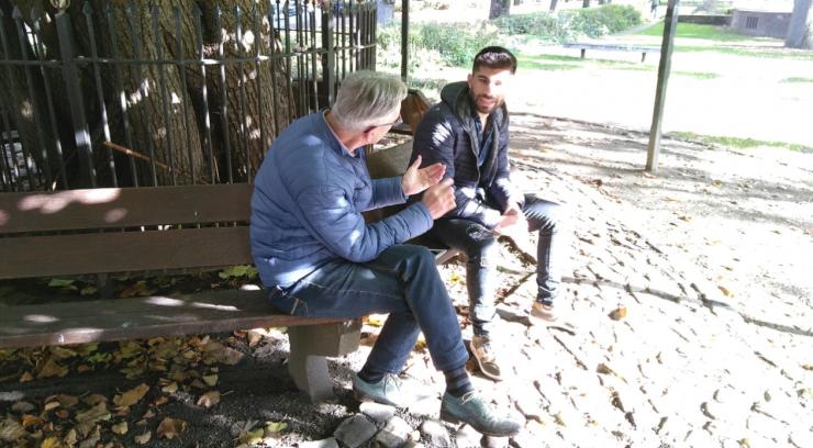 De Bibliotheek Wagnerplein heeft onder de noemer 'Geef elkaar een goed gesprek' wandelgesprekken door het Quirijnstokpark uitgestippeld, waarbij je de kans hebt om anderen te leren kennen.