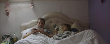 Eline van der Kaa viel met haar documentaire De Reizigers in de prijzen op het Nederlands Film Festival. Op 11 mei is de online première.