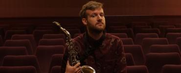 Op vrijdag 7 mei is via een livestream te genieten van een concert van het Sam Newbould Quintet bij Paradox. Speciale gast is Ian Cleaver.